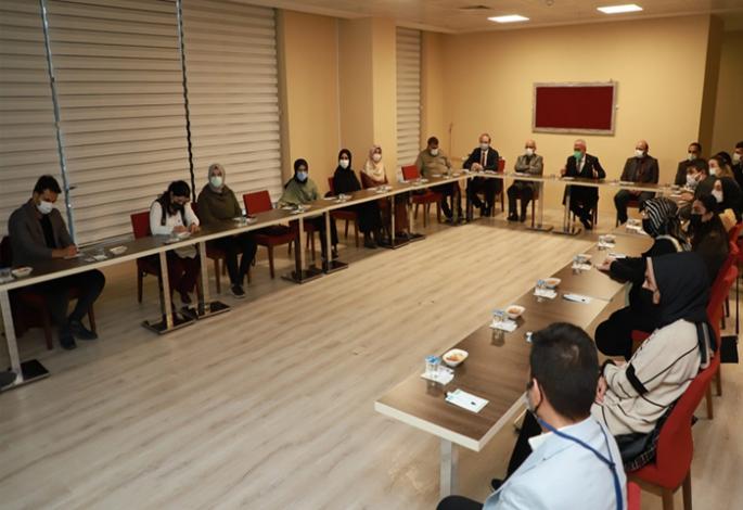 Atatürk Üniversitesinde Covid-19 Aşısı  çalışma brifingi
