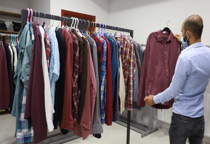 Giy-Çık Mağazası İyilik Köprüsü olmaya devam ediyor