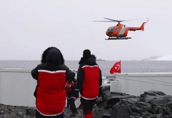 Atatürk Üniversitesi Antarktika'da Bilim seferlerinde