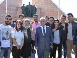 Atatürk Üniversitesi'nde kayıt heyecanı
