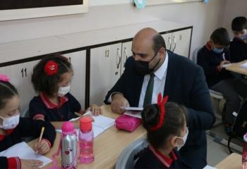 Başkan Orhan'dan Aziziyeli miniklere sürpriz