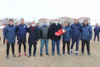 Başkan Orhan'dan Ilıca İdman Ocağı'na destek