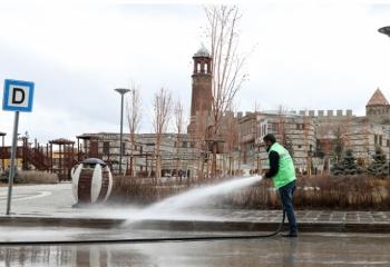 Büyükşehir'in salgınla mücadelesi sürüyor