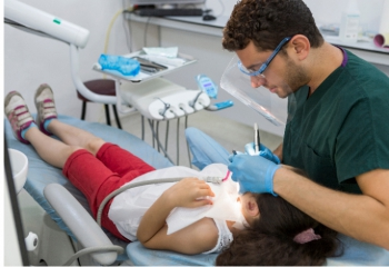 Diş Hekimliği Fakültesi 50 yaşında