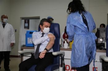 Erzurum'da aşı yapılmaya başlandı