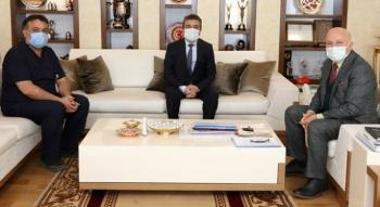 Müdür Bedir'den Başkan Sekmen'e teşekkür plaketi