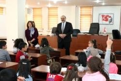 Öğrenciler sordu, Orhan belediyeciliği anlattı