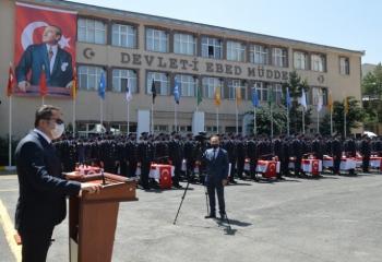 Polis adayları 26 . Dönem mezunları yemin etti