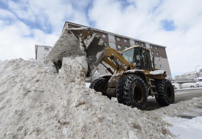 Yakutiye Belediyesinden 7/24 kar alarmı