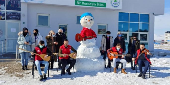 Yakutiye Gençlik'ten Barış Manço jesti
